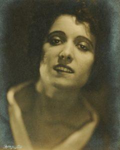 Mina Della Pergola